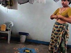 Desi With Hairy Armpit Wears Saree Corazon From 1fuckdatecom Drtuber